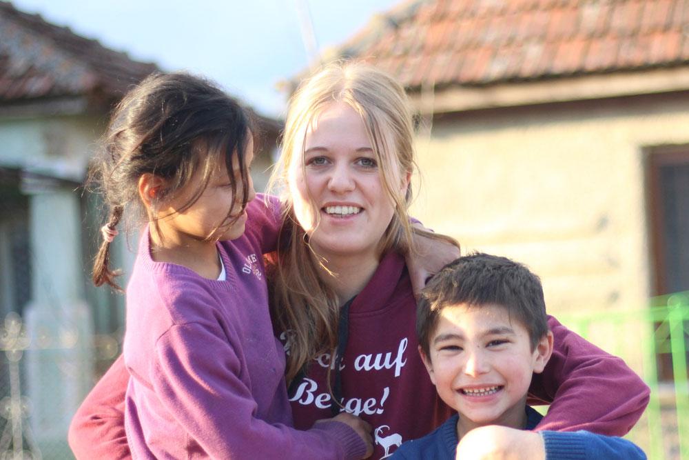 Lena Schmitt mit Kindern