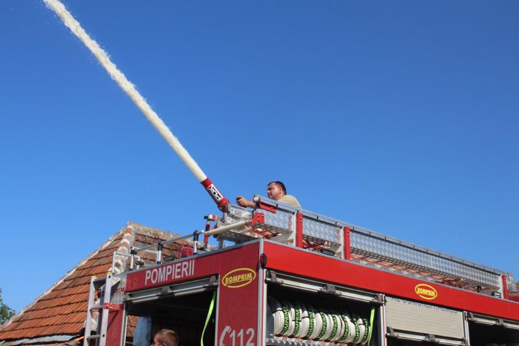 Große Wasserpumpe Feuerwehr